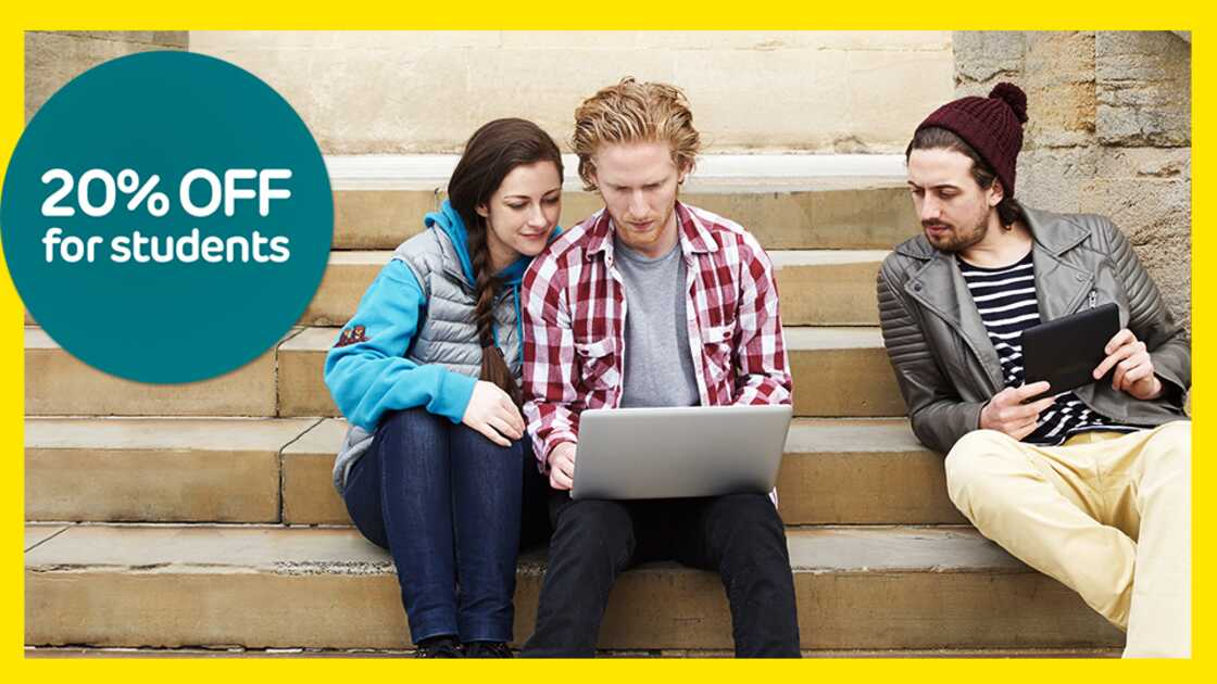 Students on laptops saving 20% with EE